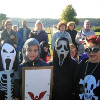 Family: Halloween Costumes