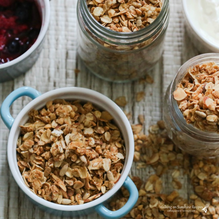 Easy Granola Recipe for yogurt.