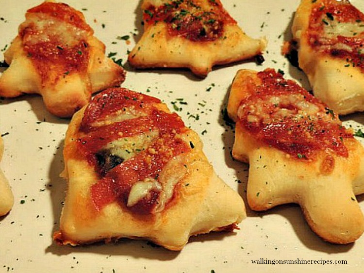 Mini Pizza Christmas Appetizers from Walking on Sunshine Recipes featured photo