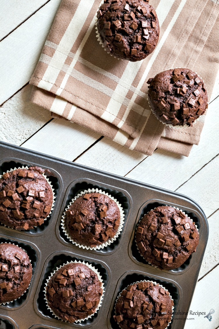 chocolate muffins from cake mix