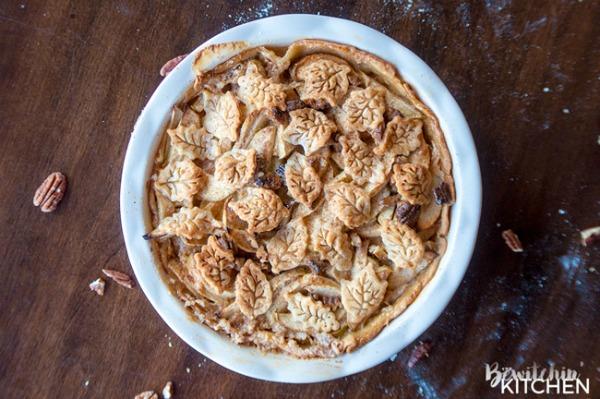 Apple Praline Pie from Bewitchin' Kitchen