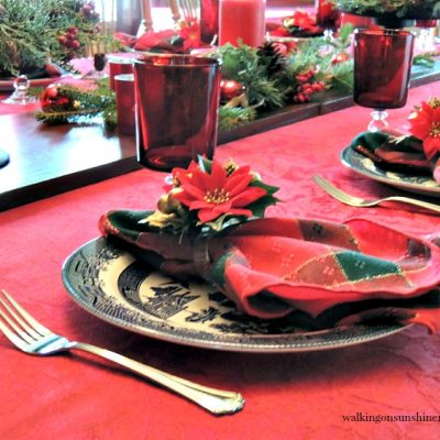 How to Set a Festive Table for Christmas on a Budget