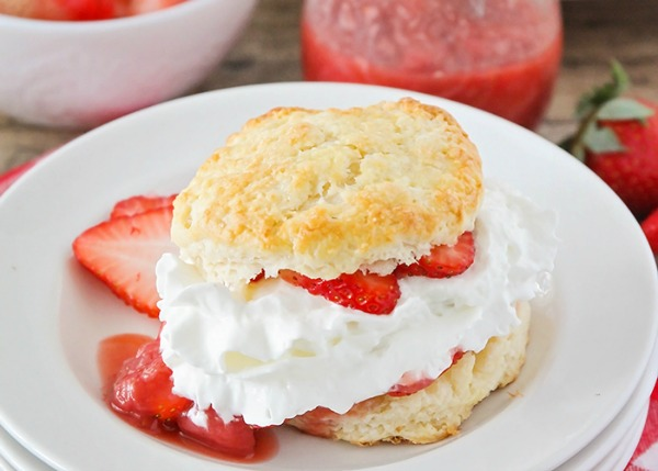 Simple Strawberry Shortcake Recipe from Somewhat Simple