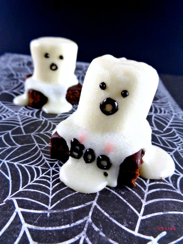 Easy Halloween Ghost Brownies from Must Have Mom