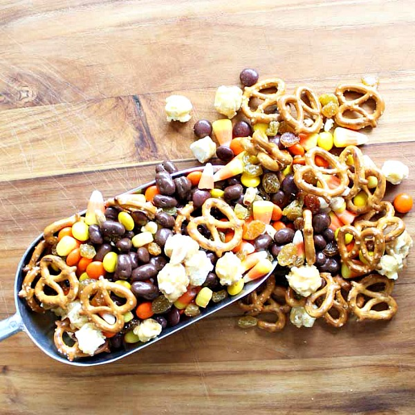 Halloween Snack Mix from The Country Chic Cottage