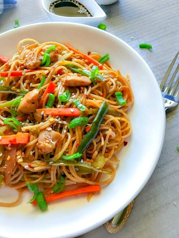 Quick Spicy Chicken Chow Mein from Easy Cooking with Molly