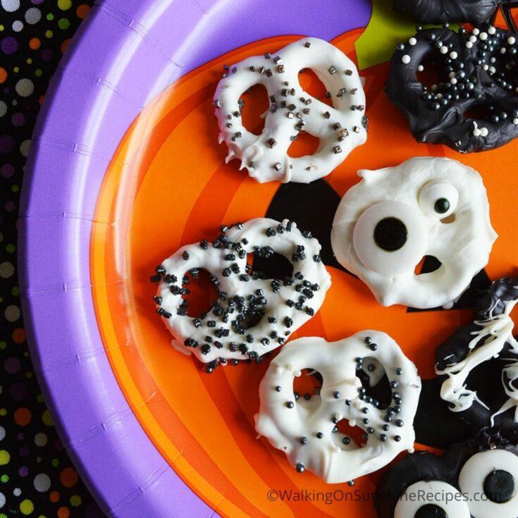 Halloween Chocolate Covered Pretzels