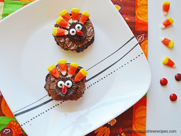 Easy Thanksgiving Turkey Brownies from Walking on Sunshine Recipes.