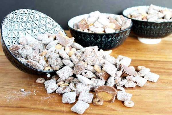 Chex Mix Muddy Buddies from The Country Chic Cottage