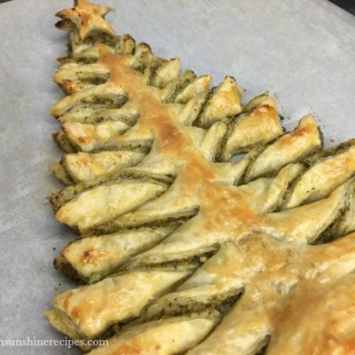 Christmas Tree Puff Pastry Appetizer with Pesto Sauce