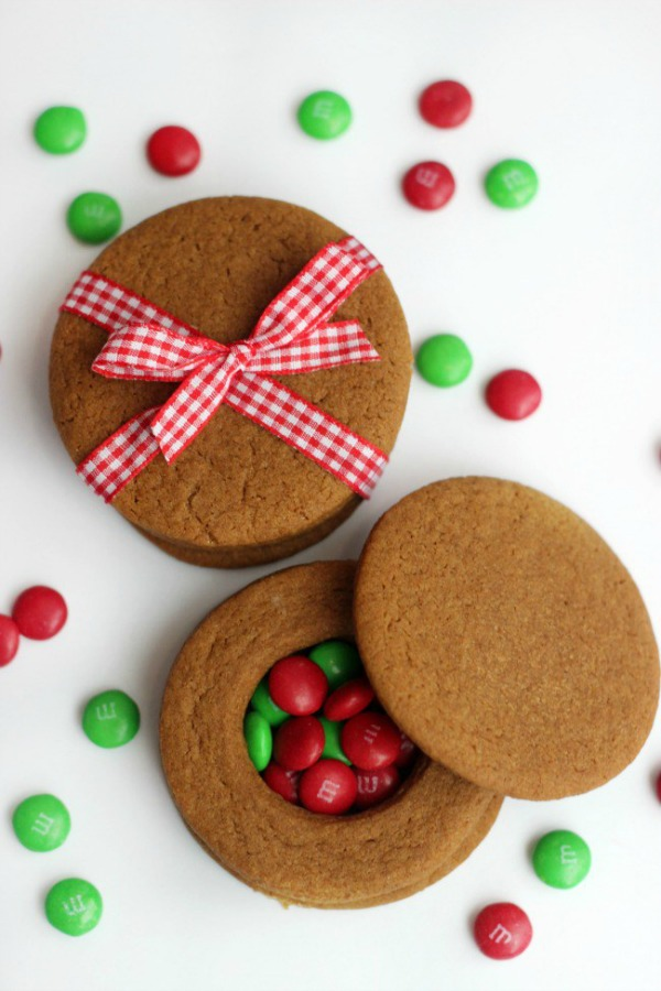 Gingerbread Cookie Boxes from Gluesticks Blog