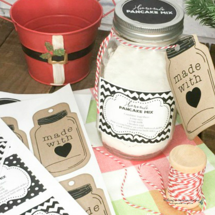 Printable labels and gift tags for Homemade Bulk Pancake Mix in Mason Jar.