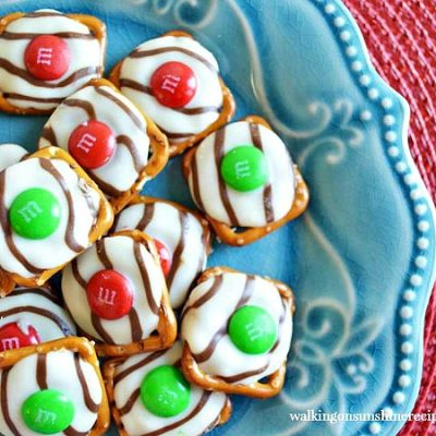Recipe:  Hugs Pretzels – The Perfect Christmas Treat!