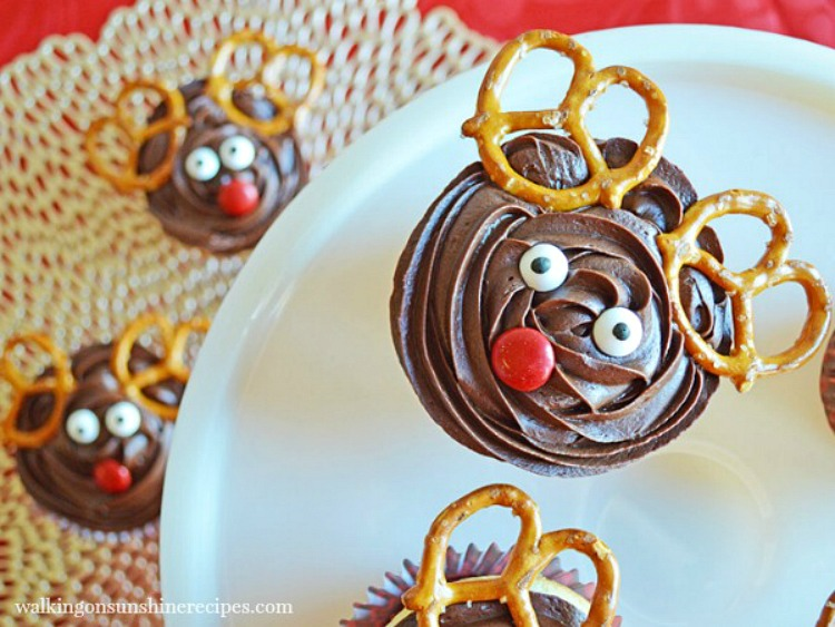 Reindeer Cupcakes with Pretzels and Candy Pieces