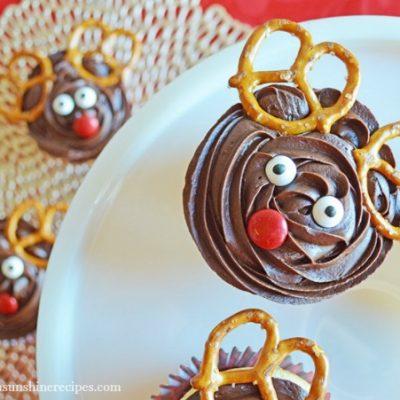 Recipe:  Easy Reindeer Cupcakes – Last Minute Treat for Christmas Parties
