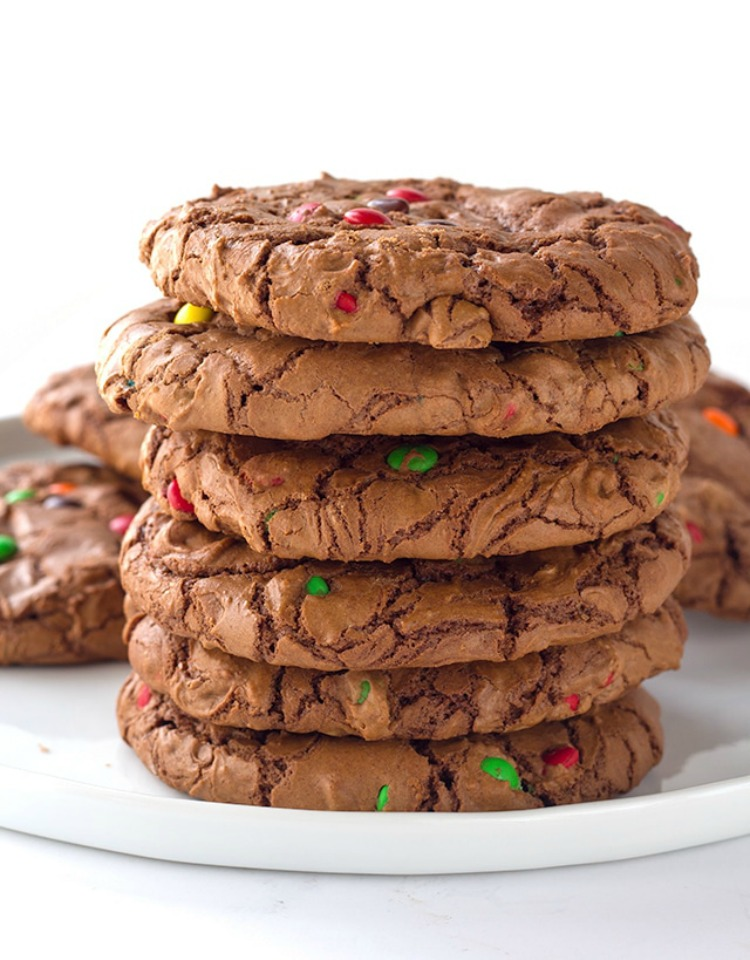Brownie Cookies from Cookie Dough and Oven Mitt