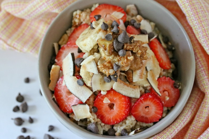 Strawberry Banana Breakfast Oats from Busy Being Jennifer