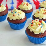 Patriotic Cupcakes perfect for 4th of July Celebrations from Walking on Sunshine Recipes