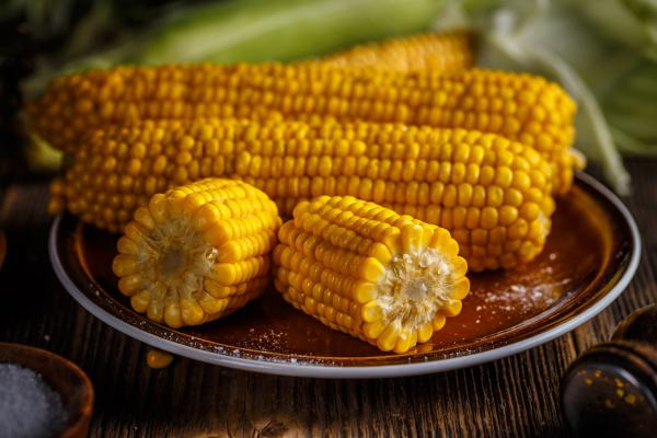 Cooking Corn in the Microwave from Made in a Pinch
