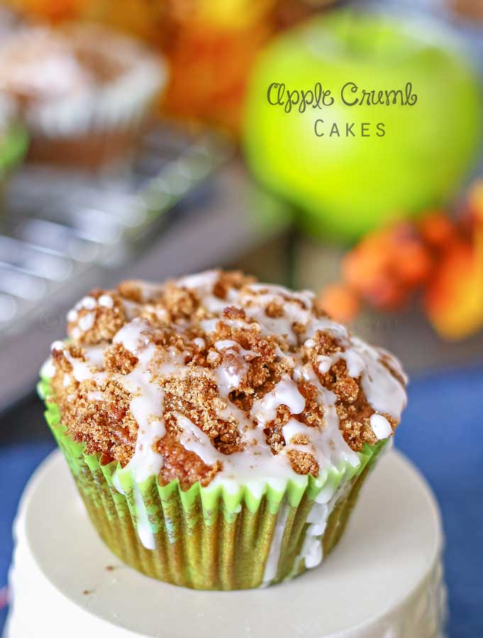 Apple Crumb Cakes from Kleinworth and Co