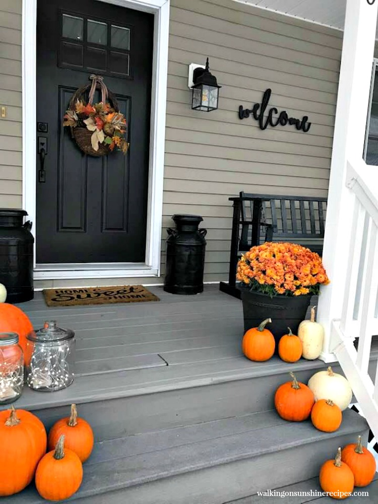 Create a welcoming front porch for Thanksgiving with these easy tips! Easy ideas to help make things simple, affordable and beautiful!