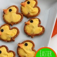 Easter Pretzel Chick Treats