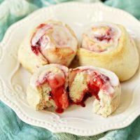 Easy Strawberry Sweet Rolls Recipe