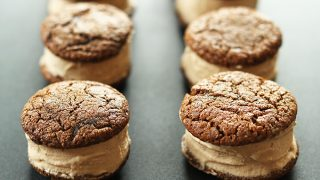 Vegan Chai Ice Cream Sandwiches | Minimalist Baker Recipes
