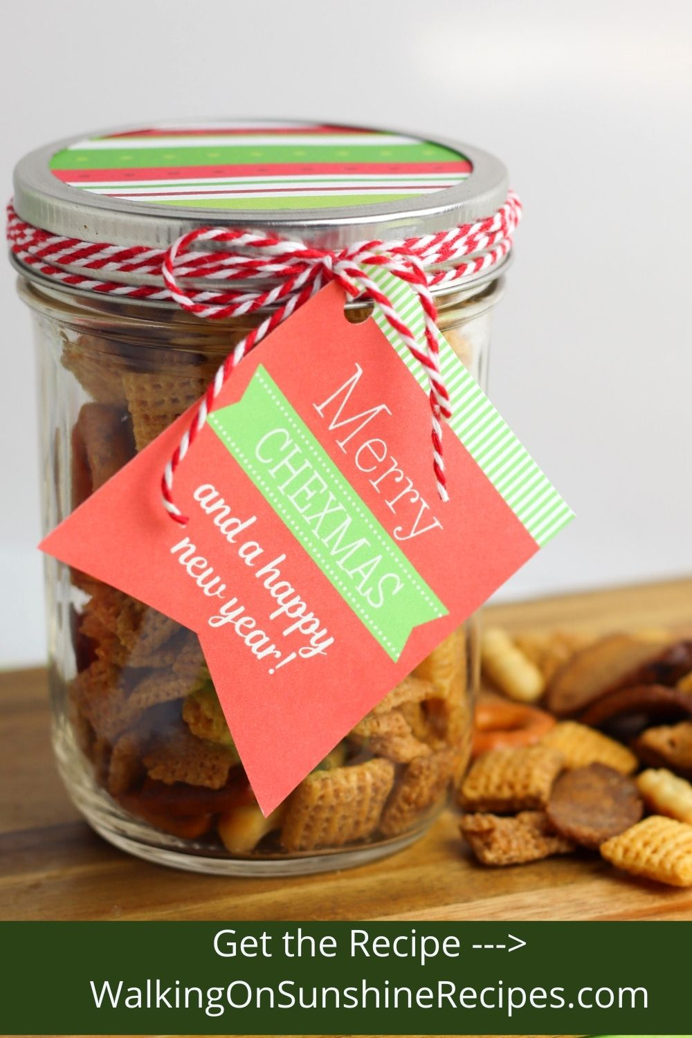 gifts in a jar recipes with printable tags.