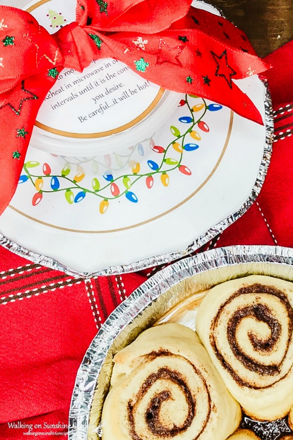 Freezer Friendly Homemade Cinnamon Rolls for gifts during the Holidays from WOS