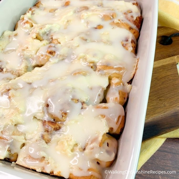 Easy Sweet Breakfast Casserole without Eggs Featured photo