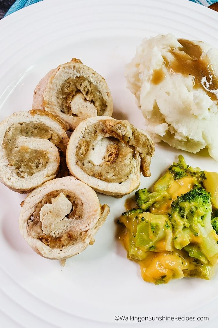 Perfectly cooked chicken roll ups with stuffing