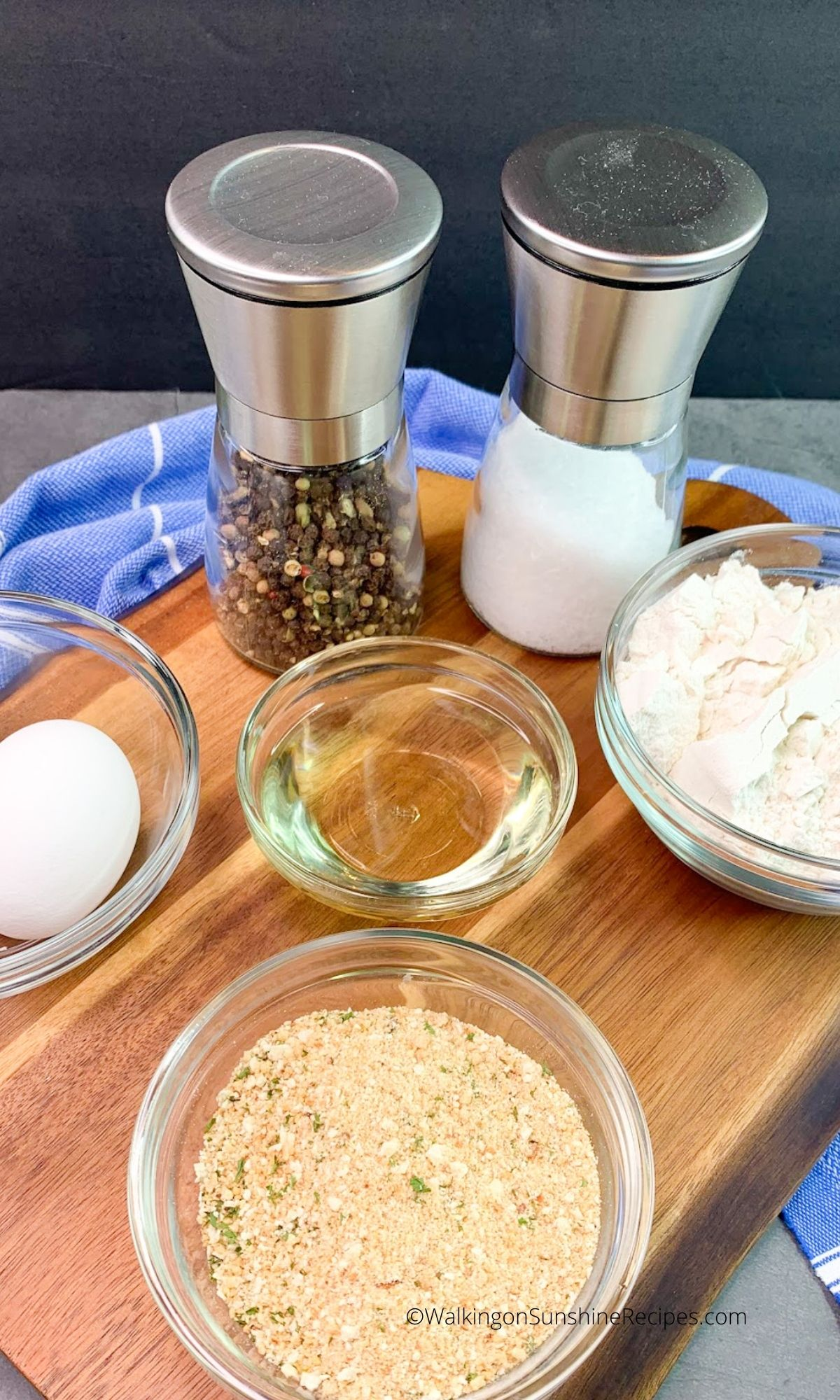 Ingredients for Chicken Cutlets with Gravy.