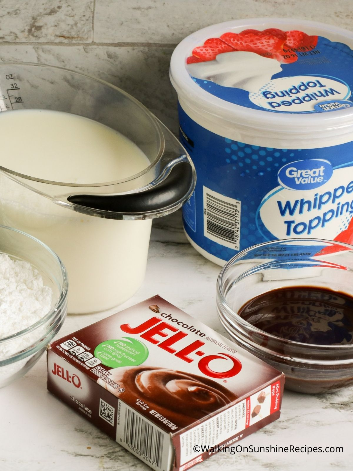 Ingredients for Oreo Pudding Pie.