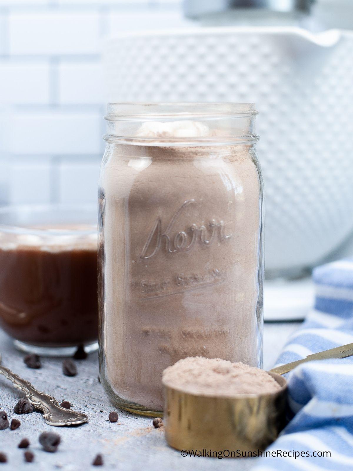 Add ingredients to mason jar.
